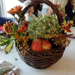 We're making floral arrangements!  Nov 16 @1pm!
