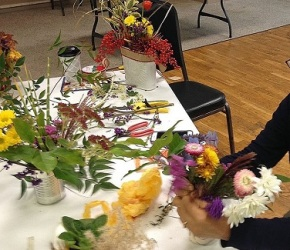 Floral Arrangement Pix from November 14, 2018 General Meeting!